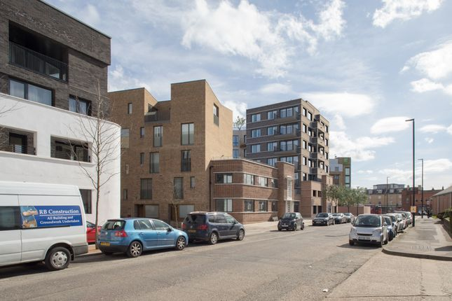 Thumbnail Office for sale in Commerce Road, Brentford