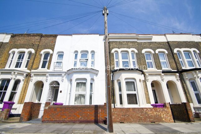 Thumbnail Terraced house to rent in Lyal Road, Bow