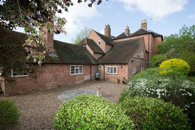 Millford House of Coughton Fields Lane, Coughton, Alcester B49