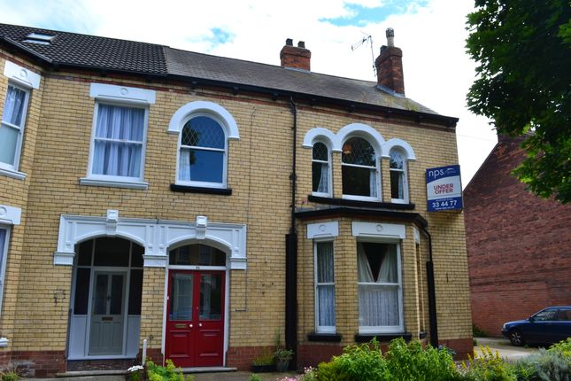 Thumbnail Shared accommodation to rent in Marlborough Avenue, Hull