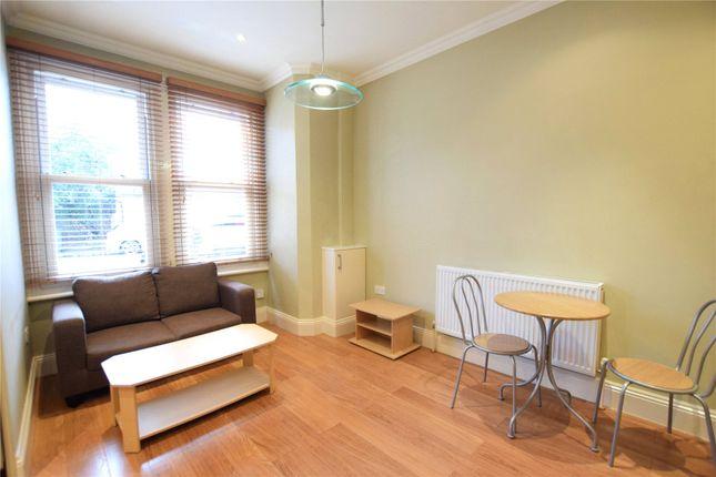 Living Room of Carnarvon Road, Reading, Berkshire RG1