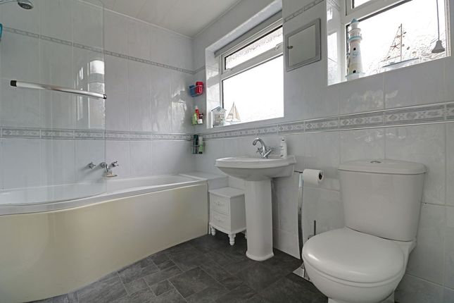 Bathroom 1 of Ollerdale Avenue, Allerton, Bradford BD15