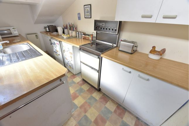 Kitchen of Broomhead Drive, Dunfermline KY12