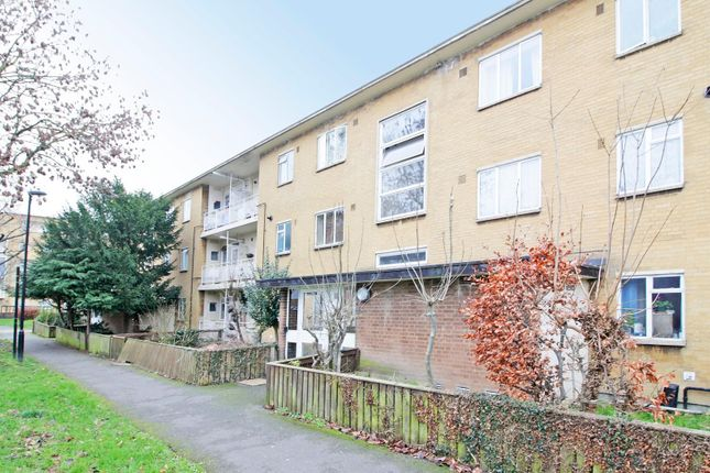 3 bed flat for sale in Bromley Road, London SE6