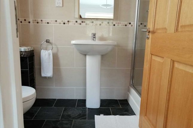 En Suite of Ocean View, Pendine, Carmarthen SA33