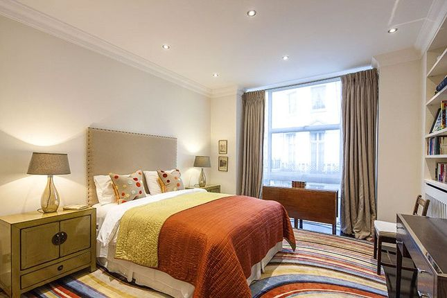 Thumbnail End terrace house for sale in Gloucester Square, Hyde Park