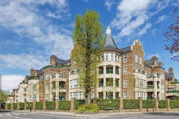 Thumbnail Flat for sale in Mountview Close, Golders Hill Park, London