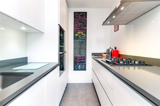 Kitchen of Grantham Road, Chiswick, London W4