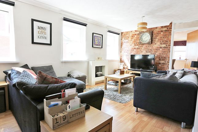 Thumbnail Flat for sale in Schooner Way, Cardiff