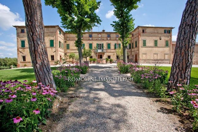 Thumbnail Villa for sale in Siena, Tuscany, Italy