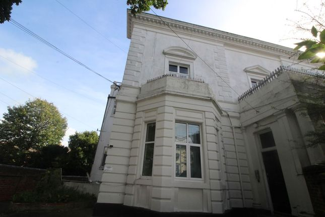 1 bed flat to rent in Grove Road North, Southsea