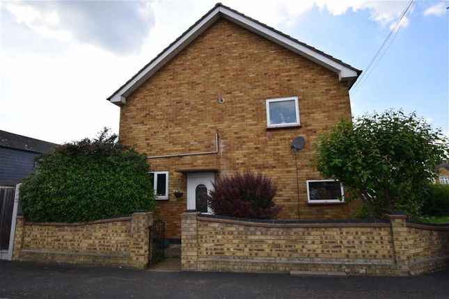 3 bed semi-detached house for sale in Digby Road, Corringham, Essex