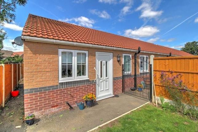 2 bed bungalow for sale in Byron Close, Dinnington, Sheffield, South Yorkshire S25