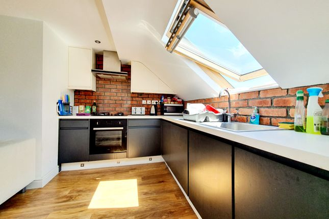 Thumbnail Flat to rent in Eastern Road, Bounds Green