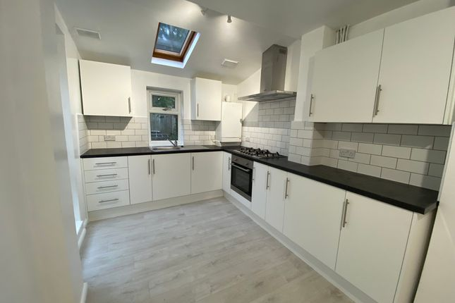 Thumbnail Terraced house to rent in Queens Road, London
