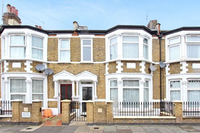 4 bed terraced house to rent in Kitchener Road, London E7
