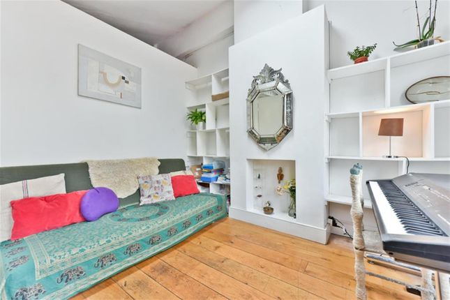 Thumbnail Maisonette to rent in Columbia Road, London