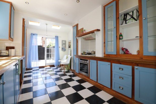 Thumbnail Town house to rent in Hayes Road, Clacton-On-Sea