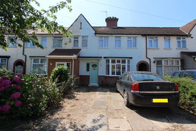 Terraced house to rent in Cranborne Waye, Hayes