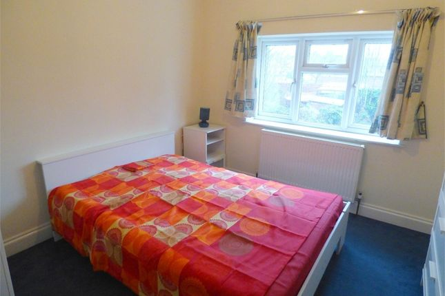 Thumbnail Room to rent in Upton Road, Slough, Berkshire
