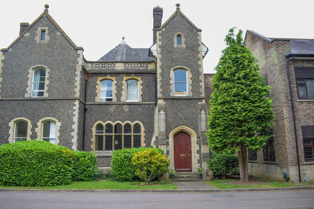 Thumbnail Flat for sale in Stoneygate Road, Leicester