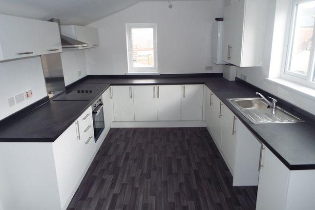 3 bed flat to rent in Cleveland Road, Barnes, Sunderland