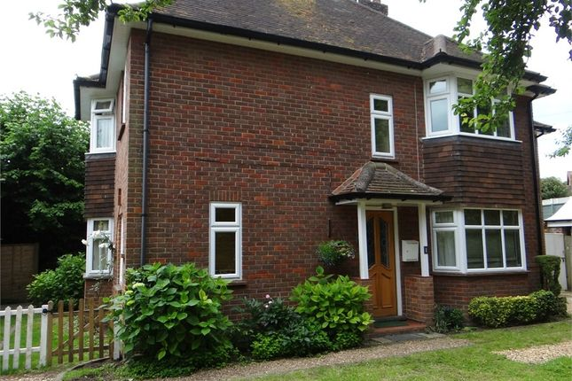 Thumbnail Flat to rent in The Platt, Whielden Street, Old Amersham, Buckinghamshire