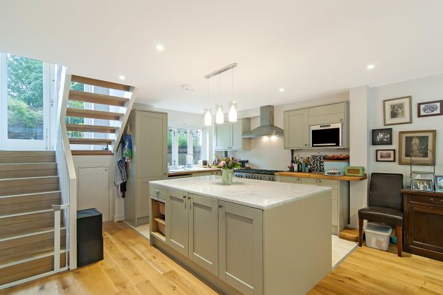 Thumbnail Terraced house to rent in Langdale Road, London