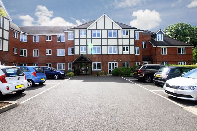 Thumbnail Flat for sale in Nanterre Court, Watford