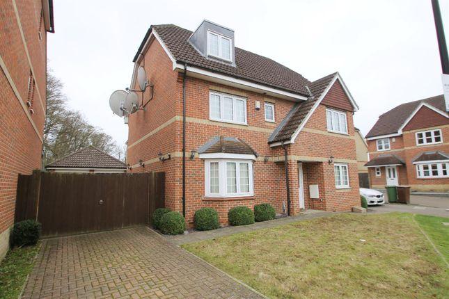 Thumbnail Property for sale in Wellsfield, Bushey