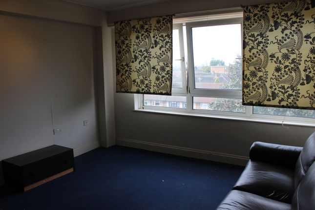 Thumbnail Flat for sale in Hepworth Court, Barking
