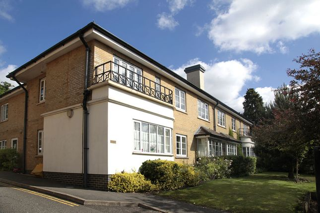 Flat for sale in 11 Pampisford Road, Purley, Surrey