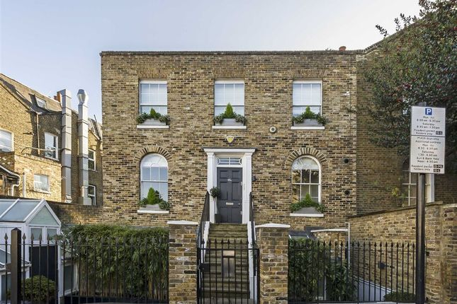 Thumbnail Detached house for sale in St. Pauls Place, London