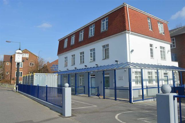 Thumbnail Flat to rent in Moatfield House, Highfield Road, Dartford