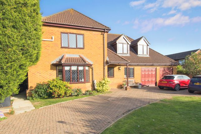 Thumbnail Detached house for sale in Ivel Road, Shefford