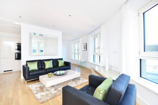 Thumbnail Flat to rent in Queensland Road, Holloway