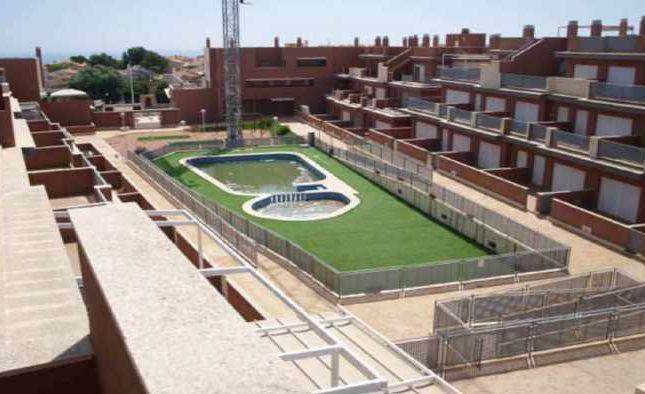 Apartment for sale in Los Arenales Del Sol, Alicante, Valencia