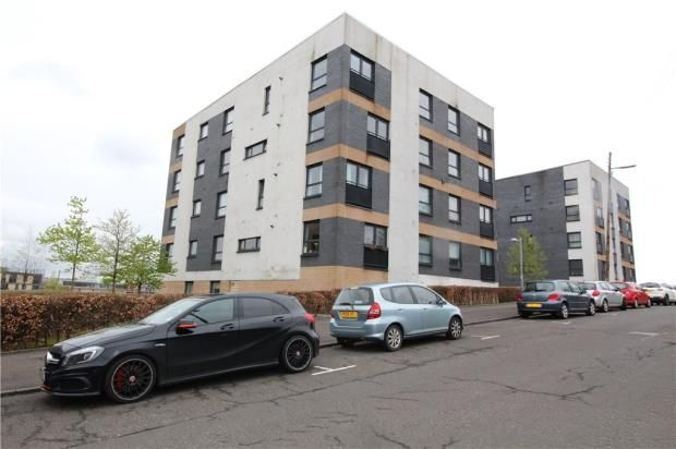 Thumbnail Flat to rent in Firpark Close, Glasgow, Lanarkshire