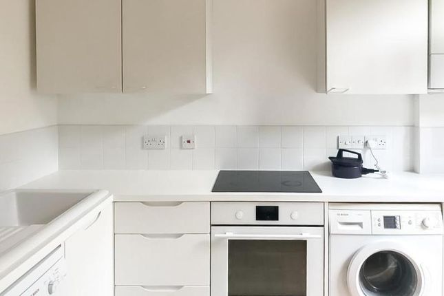 Thumbnail Property to rent in Mark Road, Wood Green