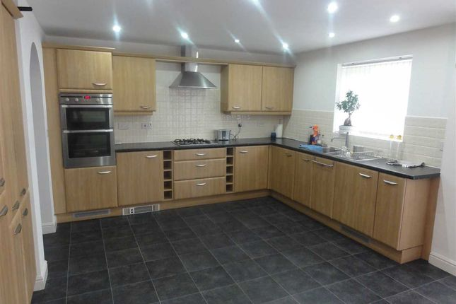 Kitchen of Olympia Place, Great Sankey, Warrington WA5