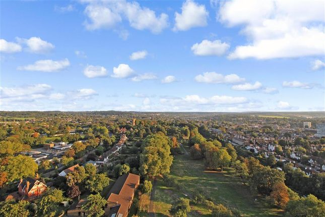 Thumbnail Flat for sale in Altyre Road, Croydon, Surrey