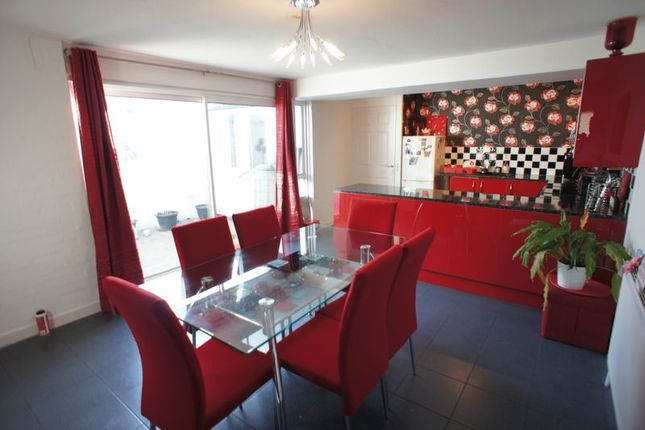 Thumbnail Bungalow for sale in Malgraves Place, Pitsea, Basildon