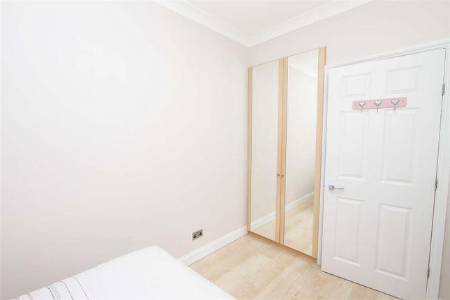 Bedroom - 3 of Eleanor Grove, Ickenham UB10
