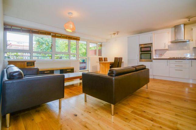 Thumbnail Flat to rent in Bullen Street, London