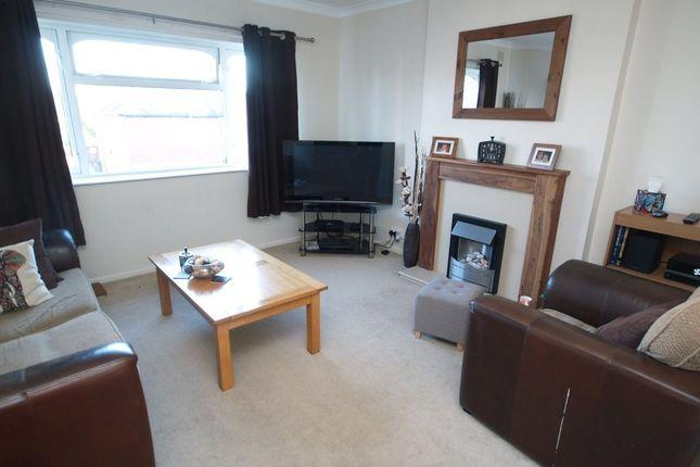 Thumbnail Flat to rent in Knoyle Court, Scotts Road, Stourbridge