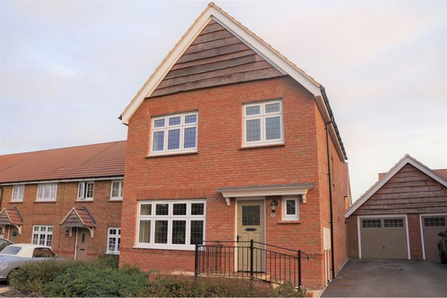 Thumbnail Detached house for sale in Beacon Drive, Calne