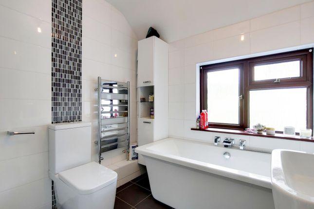 13_Bathroom-0 of Gills Hill Lane, Radlett WD7