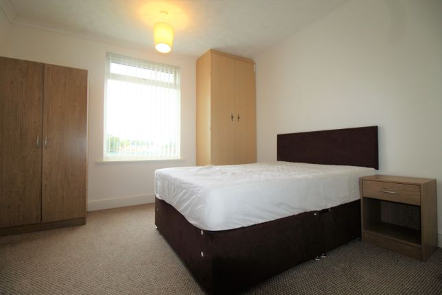 Thumbnail Room to rent in Room 3, Biggins Hall Crescent, Stoke, Coventry