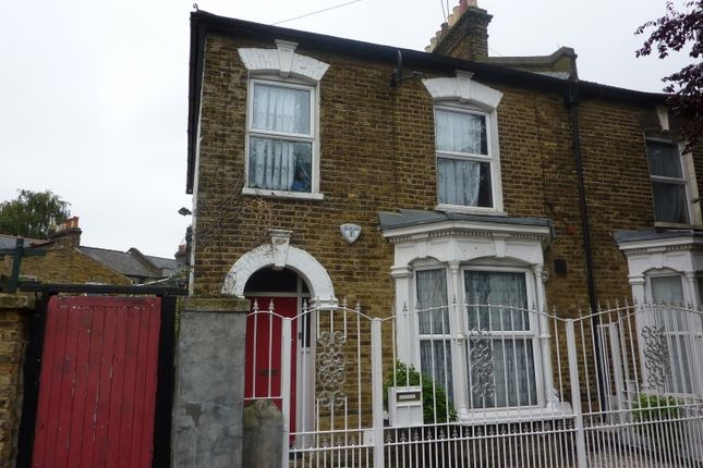 Thumbnail End terrace house to rent in Barlborough Street, London