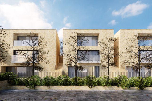 Thumbnail Flat for sale in Wastdale Road, London